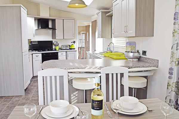 Mole End | Kitchen & Dining Area |  4-6 people | Dog Friendly